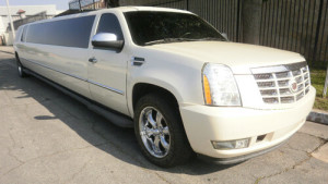 24 pass. Cadillac Escalade