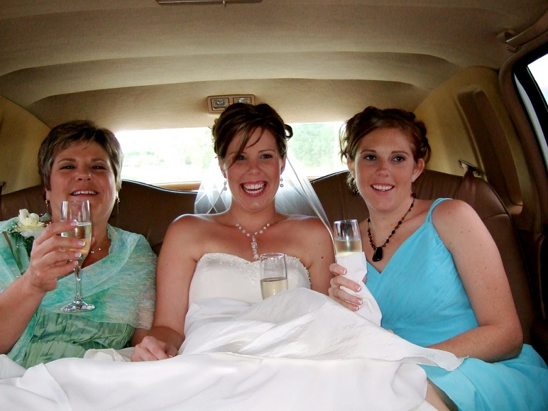 Chauffeuring Your Wedding Guests